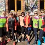 Nordic Walking Damen vor dem Vorpommernhus